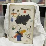 400 faux tableaux – surtout d'artistes de l' «avant-garde russe»