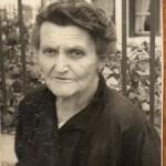 Noémie Marcadé (née en 1881) et son petit-fils Jean-Claude à Moscardès