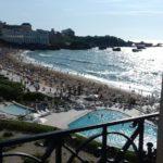 La Grande Plage de Biarritz depuis l'Hôtel du Palais le 13 août vers 17h et le 14 août vers 7h du matin