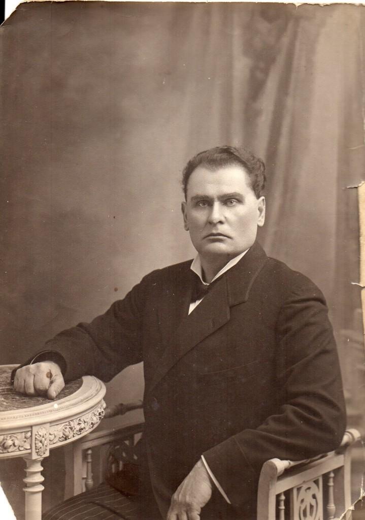 Le père de Lialia Dmitri Stépanovitch Wasiutinski